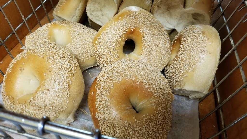 Bagel Bob - bakery  | Photo 9 of 10 | Address: 2114 Flatbush Ave, Brooklyn, NY 11234, USA | Phone: (718) 252-4800