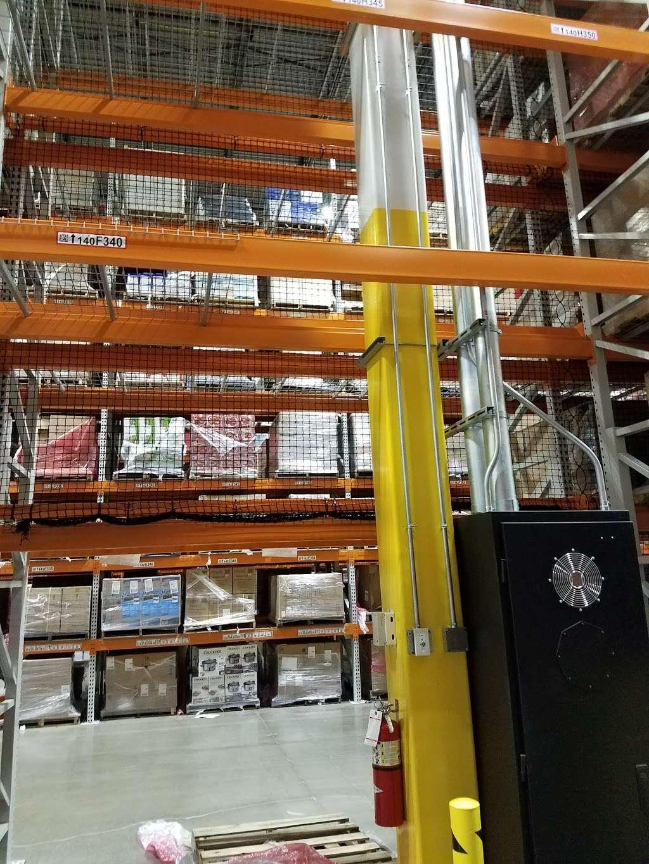 Amazon Fulfillment Center MDW6 - storage  | Photo 4 of 10 | Address: 1125 Remington Blvd, Romeoville, IL 60446, USA | Phone: (800) 288-8714