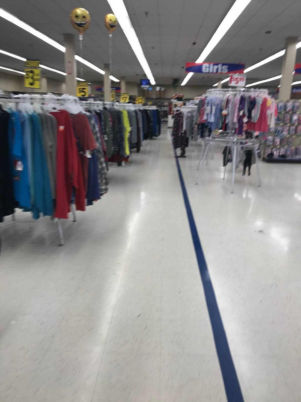 Roses Discount Store - electronics store  | Photo 4 of 10 | Address: 2927 Freedom Dr, Charlotte, NC 28208, USA | Phone: (704) 394-4851