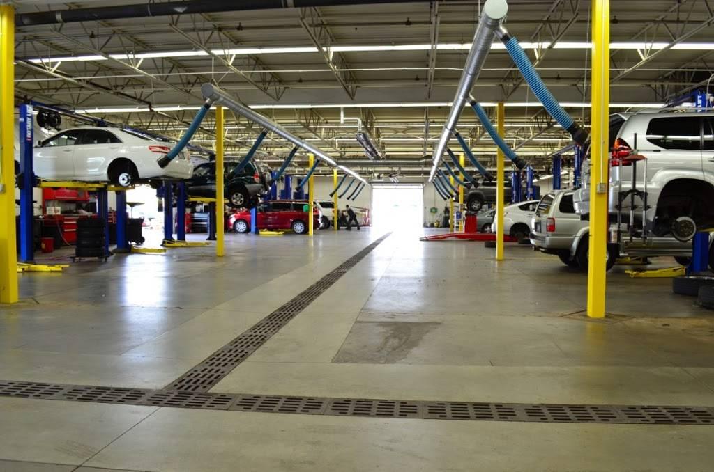 Maplewood Toyota - car dealer  | Photo 5 of 9 | Address: 2873 Maplewood Dr, Maplewood, MN 55109, USA | Phone: (651) 482-1322