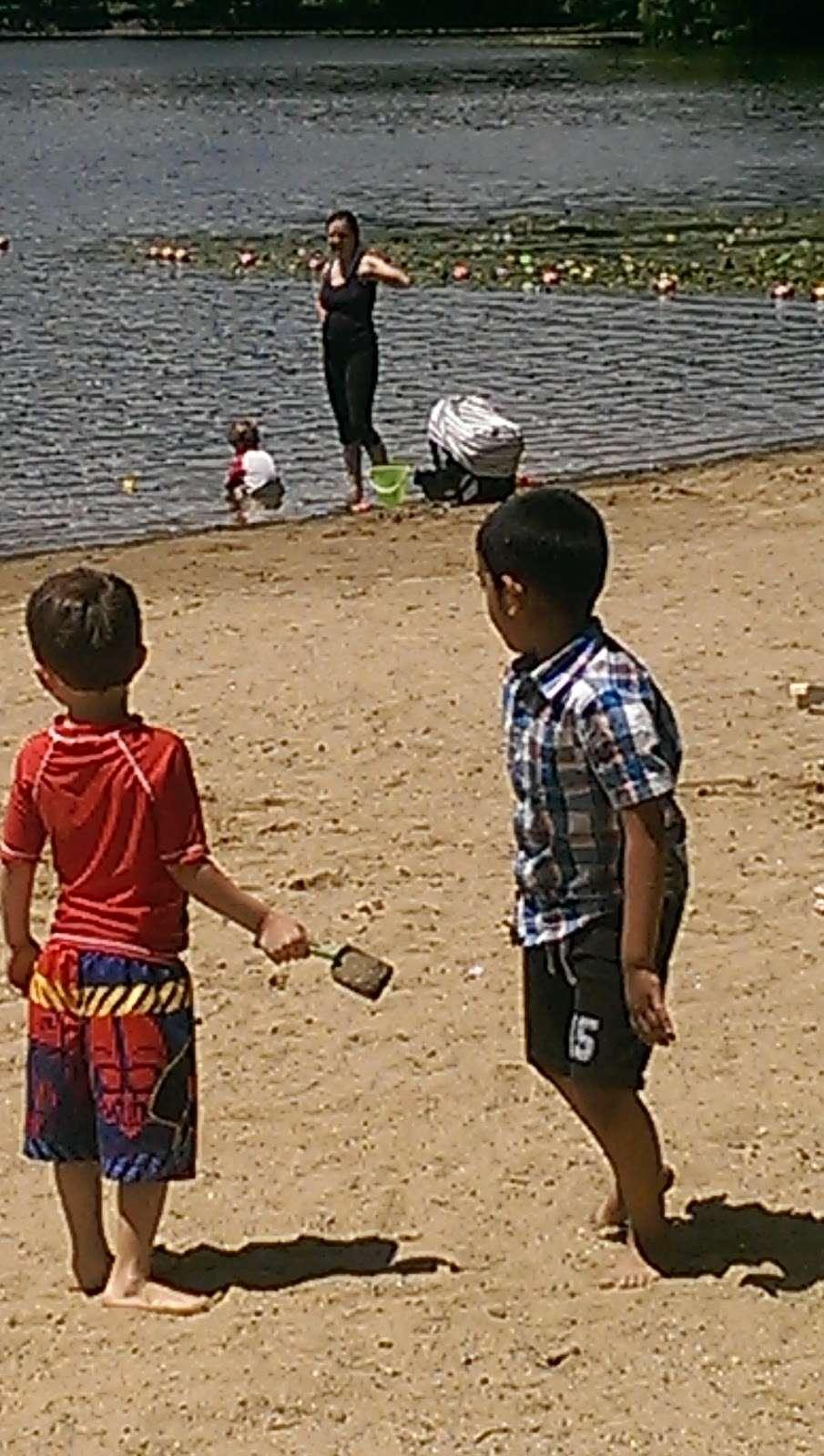 Shannon Beach - park  | Photo 10 of 10 | Address: Mystic River Path, Winchester, MA 01890, USA | Phone: (617) 727-5380