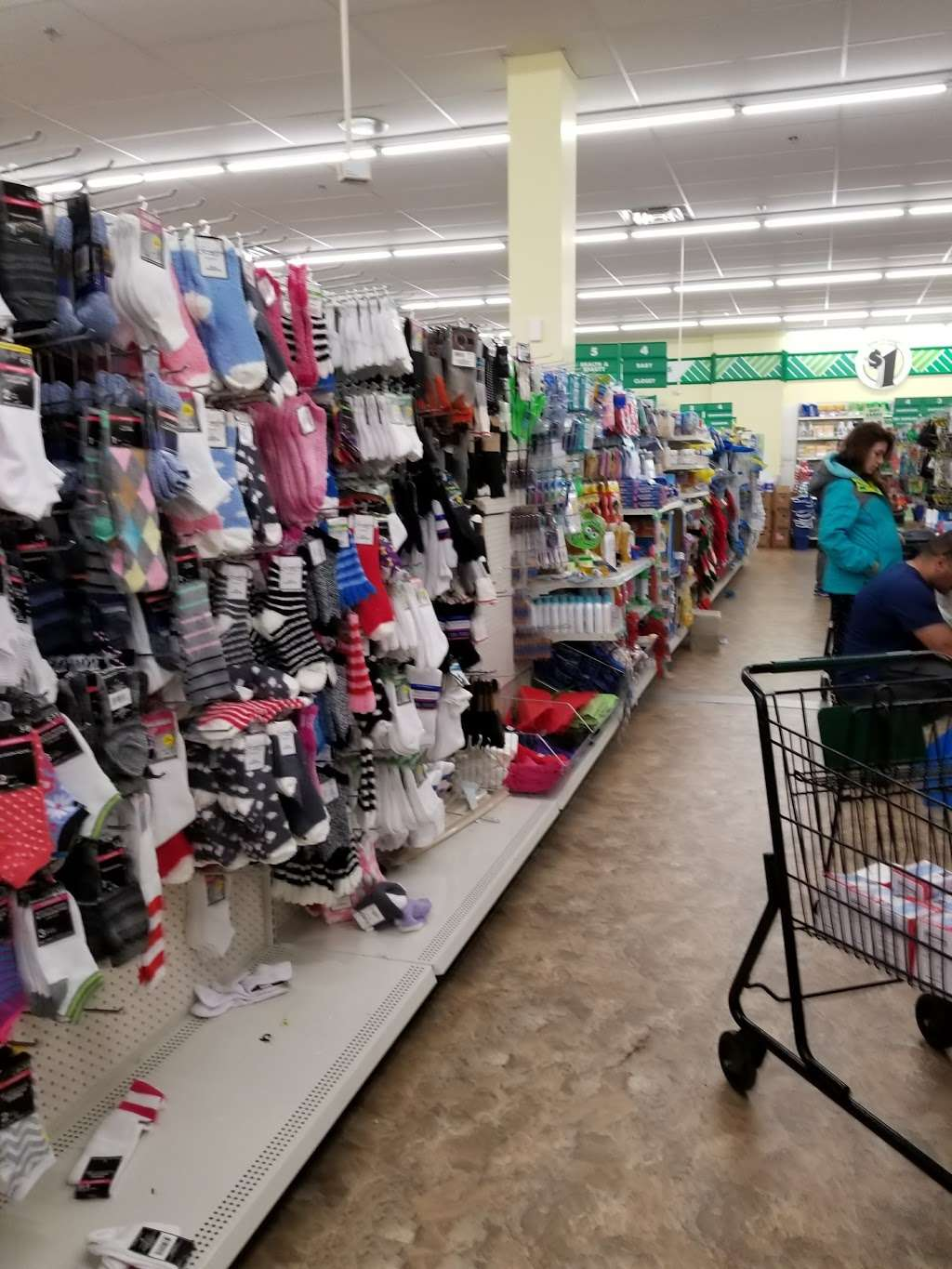 Dollar Tree - furniture store  | Photo 6 of 10 | Address: 8101 Tonnelle Ave #3, North Bergen, NJ 07047, USA | Phone: (201) 854-6080