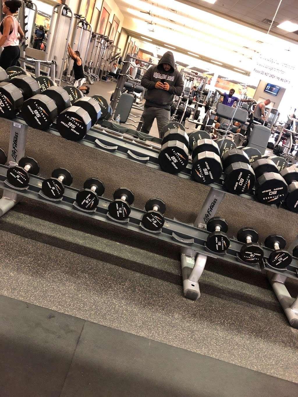 LA Fitness - gym    Photo 1 of 6   Address: 9880 W Lower Buckeye Rd, Tolleson, AZ 85353, USA   Phone: (602) 734-1363