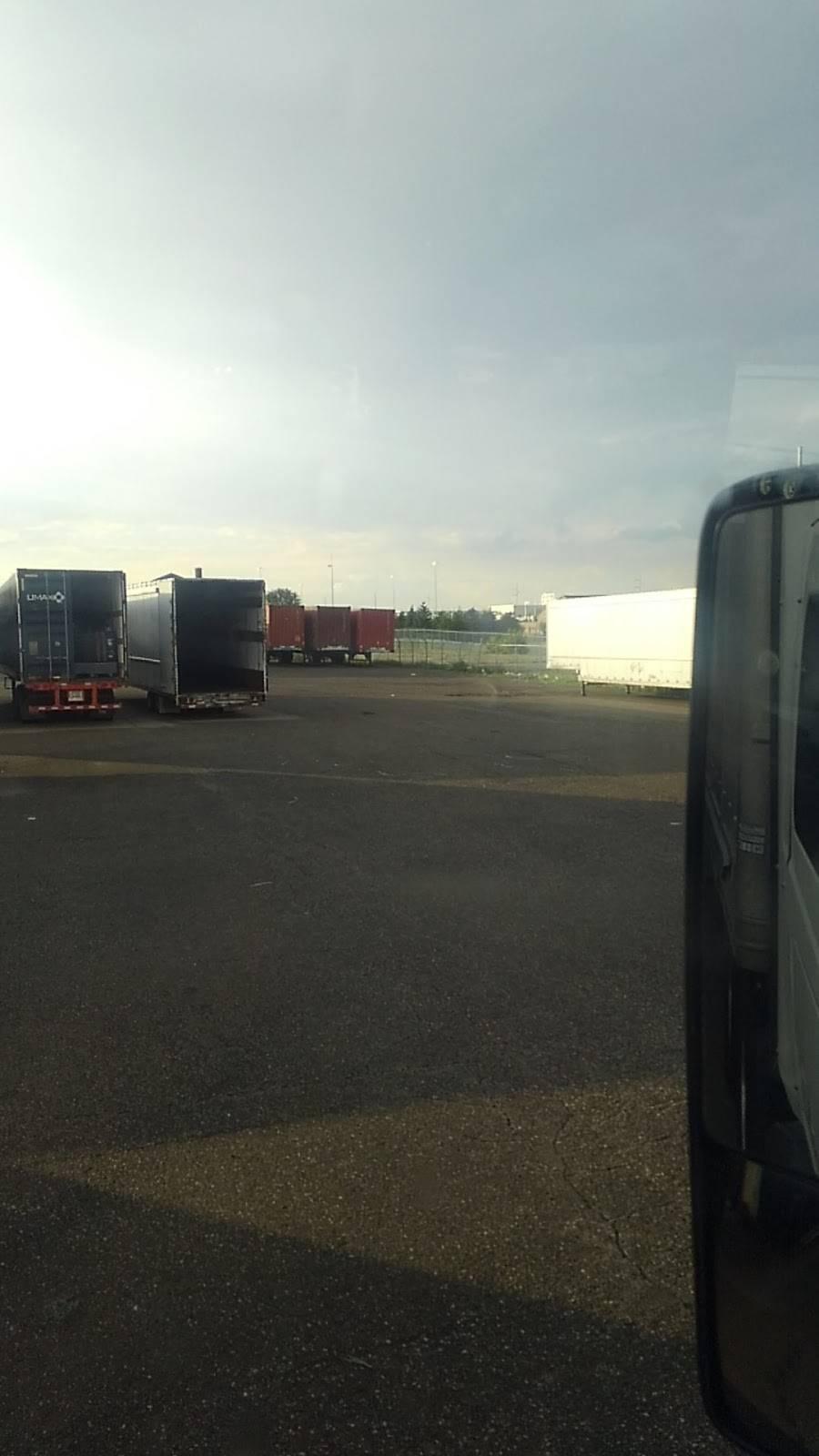 KACE Logistics - car repair  | Photo 3 of 10 | Address: 11851 Freud St, Detroit, MI 48214, USA | Phone: (313) 499-3088