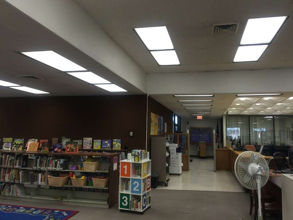 Los Nietos Library - library  | Photo 10 of 10 | Address: 8511 Duchess Dr, Whittier, CA 90606, USA | Phone: (562) 695-0708