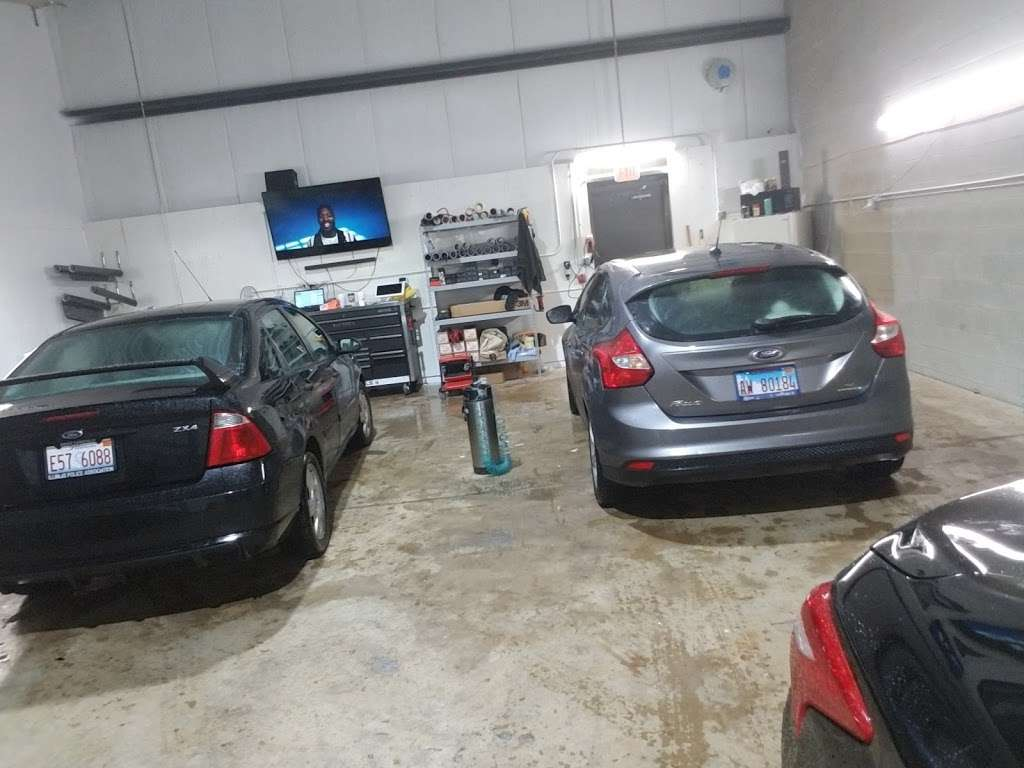 EMJ WINDOW TINT SPECIALISTS - car repair  | Photo 3 of 10 | Address: 2291 Cornell Ave, Montgomery, IL 60538, USA | Phone: (224) 318-6134