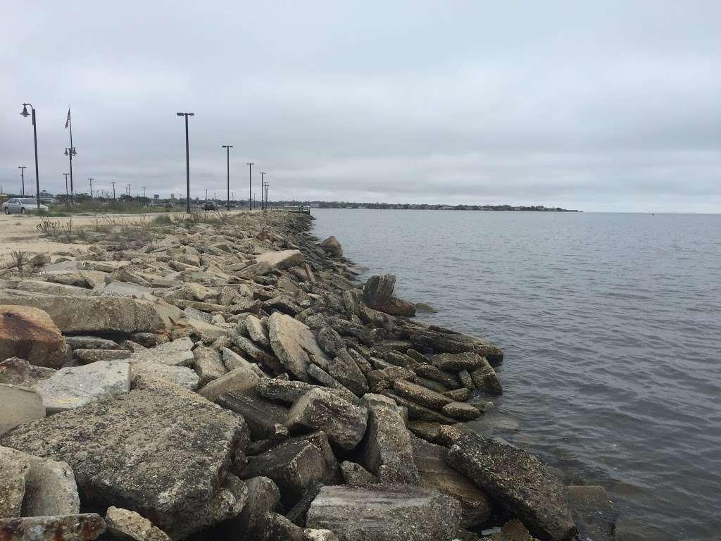 Shipwreck Cove Spray Park - park  | Photo 10 of 10 | Address: S Clinton Ave, Bay Shore, NY 11706, USA | Phone: (631) 224-5404