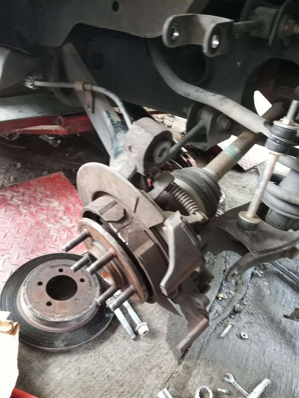 Arias Tire Shop & Auto Sales - car repair  | Photo 4 of 6 | Address: 10601 Airline Dr, Houston, TX 77037, USA | Phone: (832) 564-5554
