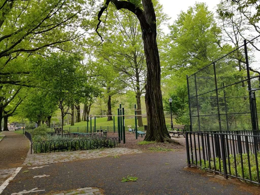 Fort Independence Playground - park  | Photo 4 of 10 | Address: Sedgwick Ave. &, W 238th St, The Bronx, NY 10463, USA | Phone: (212) 639-9675