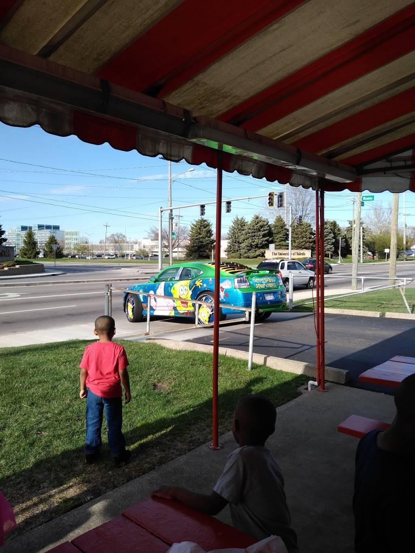 Nettys - restaurant  | Photo 4 of 9 | Address: 325 S Fearing Blvd, Toledo, OH 43609, USA | Phone: (419) 214-0774