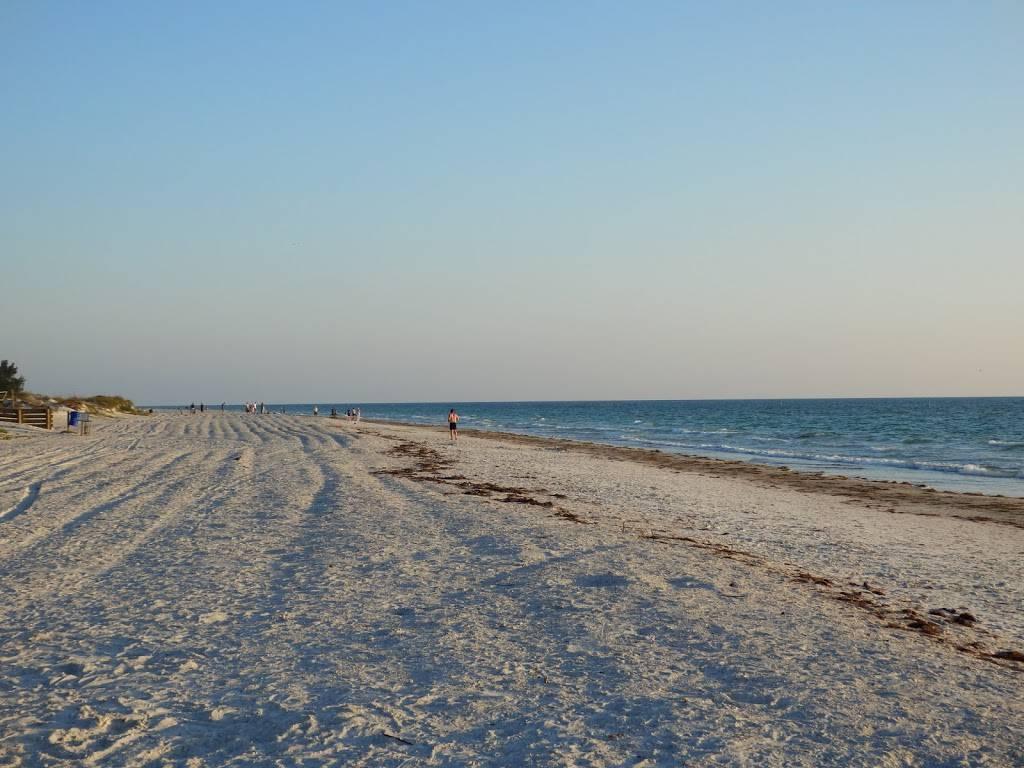 Indian Rocks Beach Condo - real estate agency  | Photo 2 of 7 | Address: 612 Gulf Blvd, Indian Rocks Beach, FL 33785, USA | Phone: (727) 251-2521