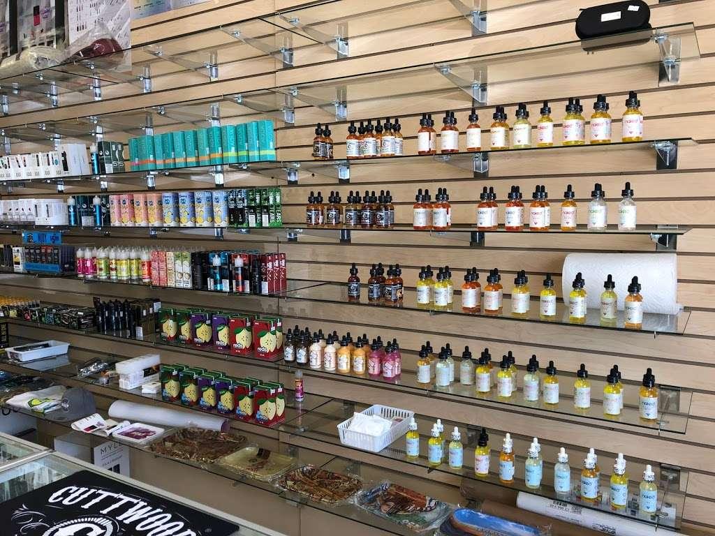 PuffCity Rockaway - store  | Photo 4 of 10 | Address: 337 US-46, Rockaway, NJ 07866, USA | Phone: (973) 784-4757