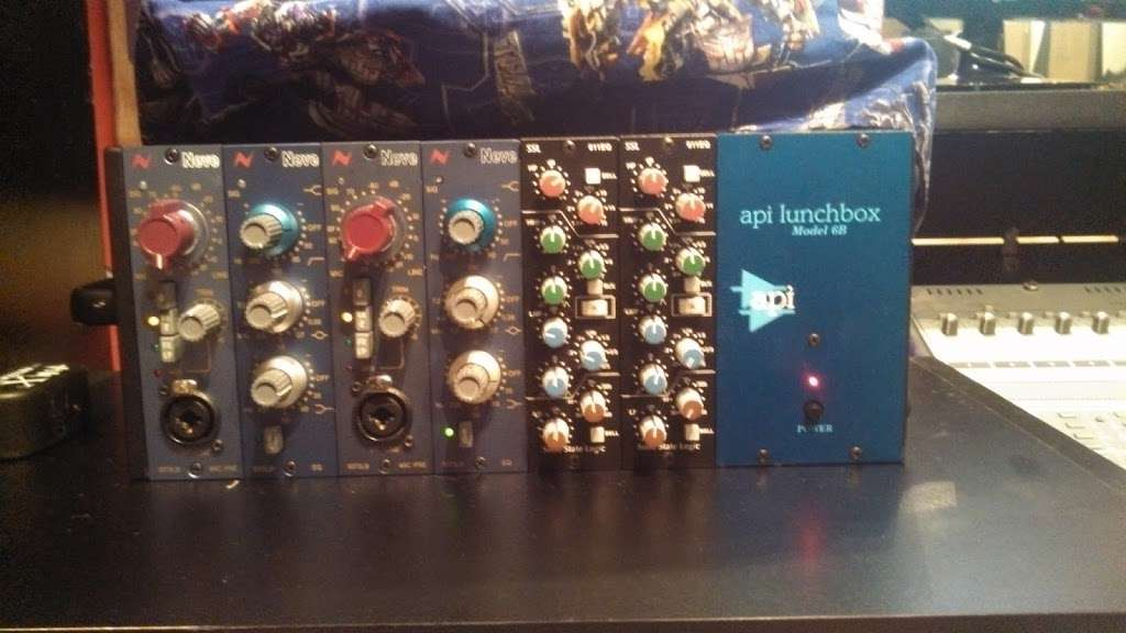 Iacon Sound Studios - electronics store    Photo 6 of 10   Address: 2469 Broadway, San Diego, CA 92102, USA   Phone: (619) 955-8295