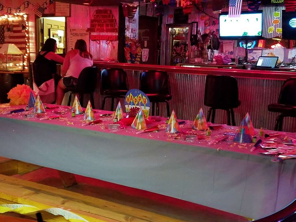 Last Resort - restaurant  | Photo 1 of 10 | Address: 4163 E 2603rd Rd, Sheridan, IL 60551, USA | Phone: (815) 496-3861