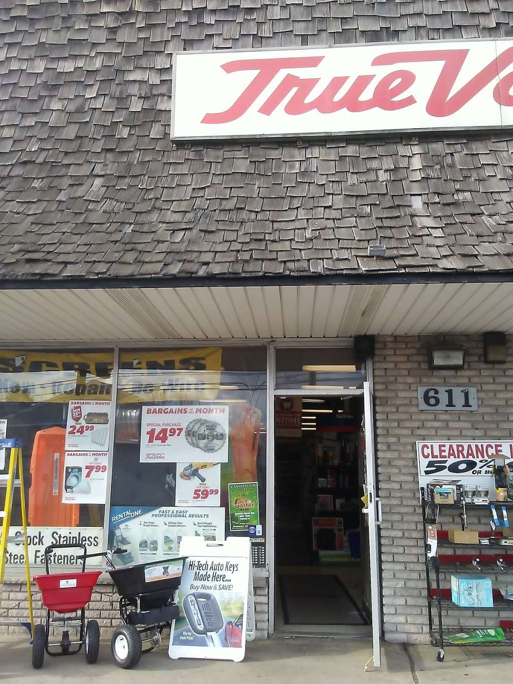B & B True Value Hardware - hardware store  | Photo 5 of 10 | Address: 611 State Rd, Croydon, PA 19021, USA | Phone: (215) 785-3643