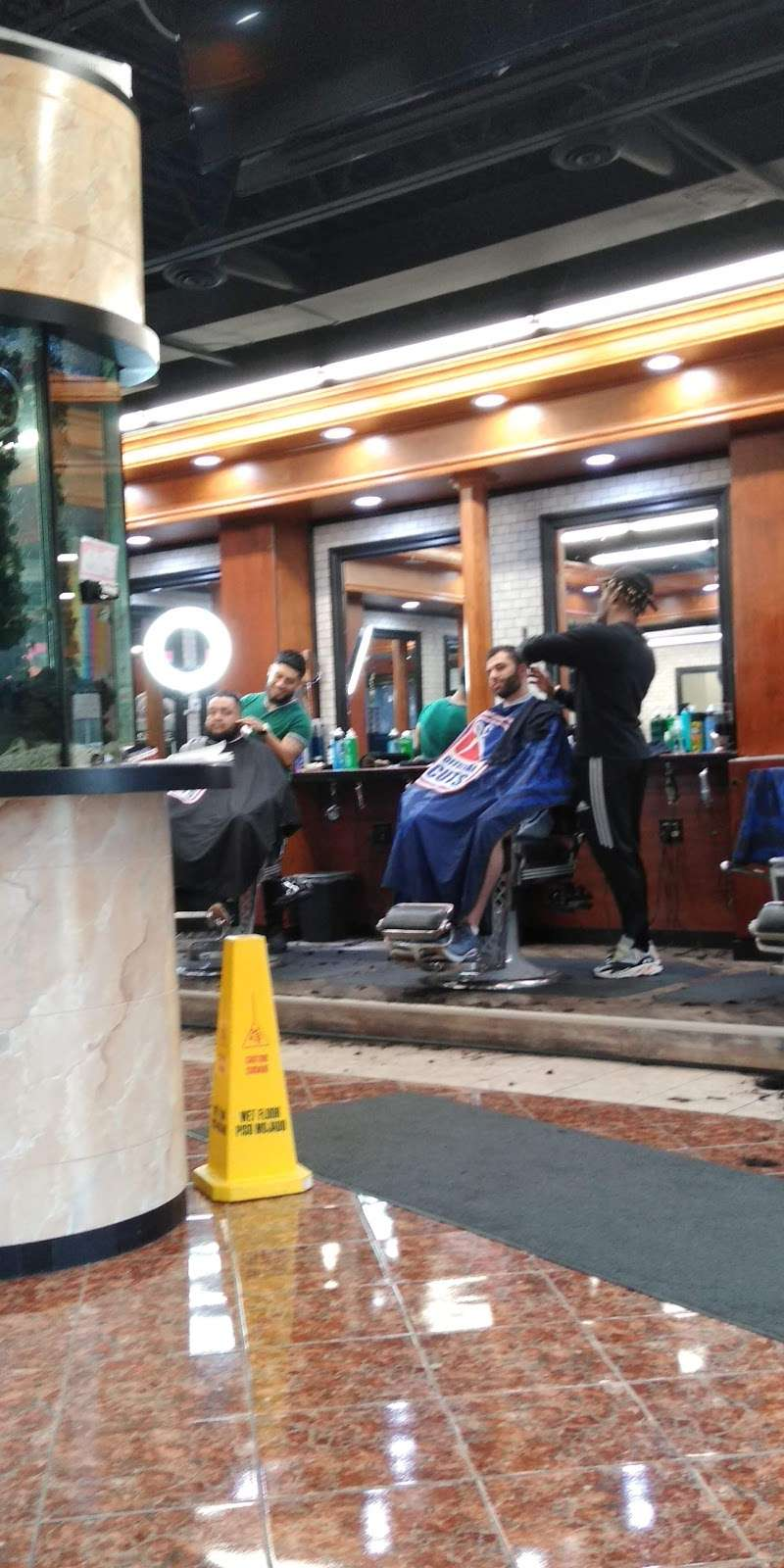 Official Cuts - hair care  | Photo 7 of 9 | Address: a, 2805, 10500, SW Hwy, Chicago Ridge, IL 60415, USA | Phone: (708) 448-4848