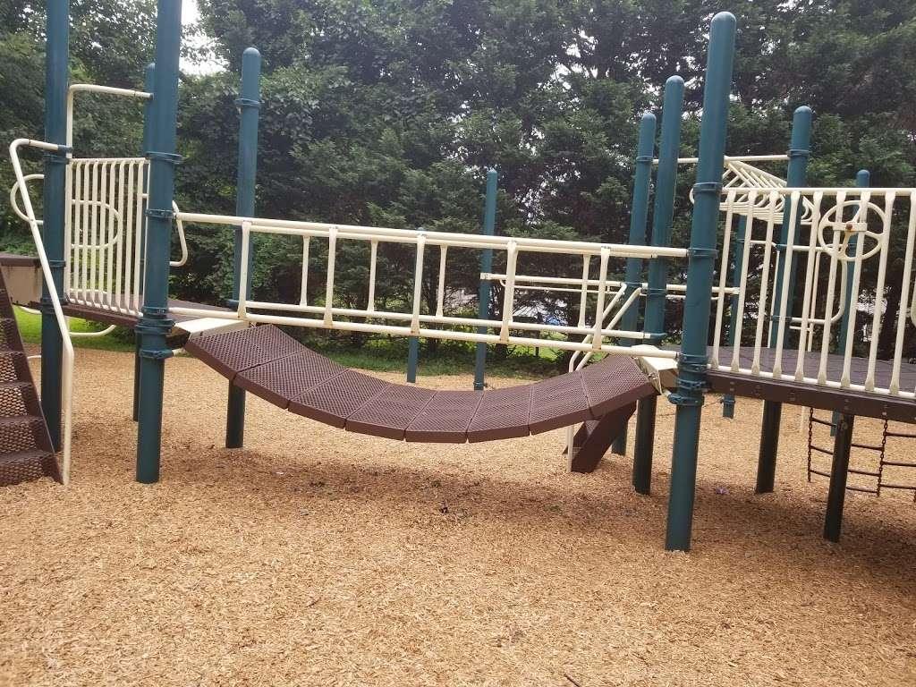 Veterans Memorial Park - park  | Photo 1 of 10 | Address: Springfield, PA 19064, USA