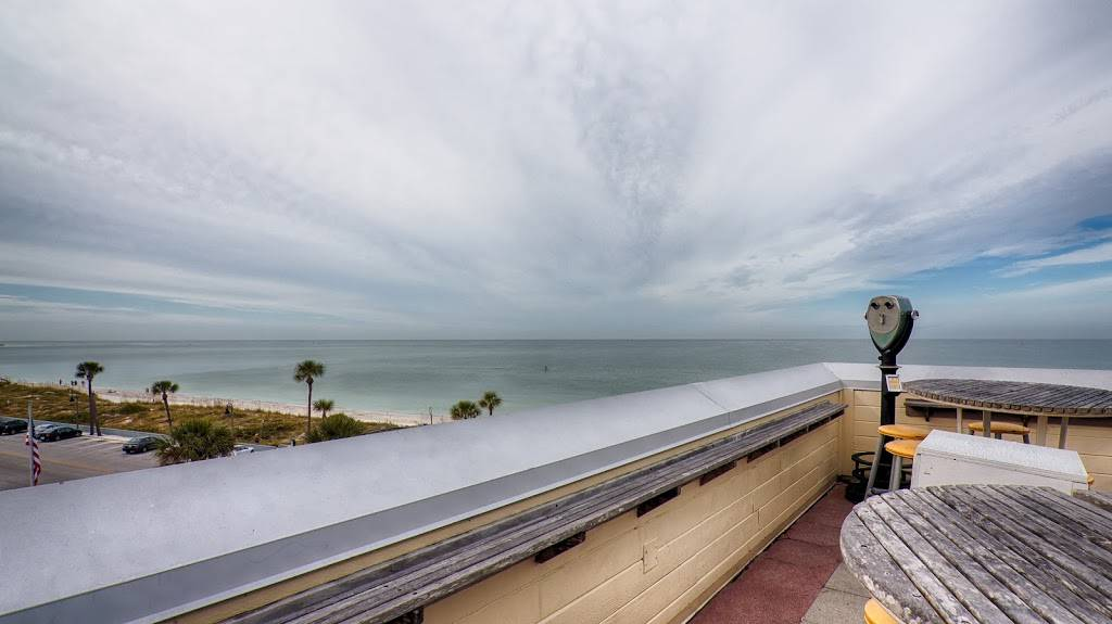 Hurricane Seafood Restaurant - restaurant  | Photo 4 of 9 | Address: 809 Gulf Way, St Pete Beach, FL 33706, USA | Phone: (727) 360-9558