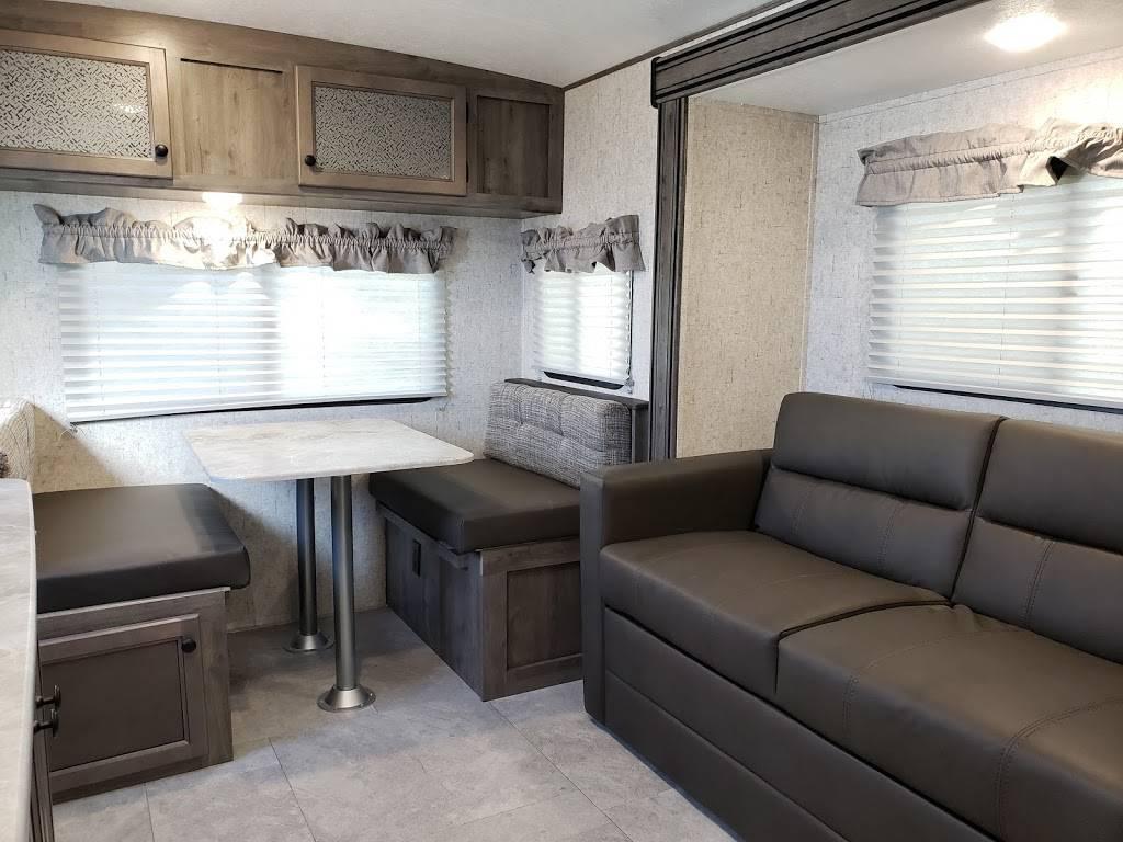 Gypsy Road RVs - car dealer    Photo 6 of 10   Address: 1401 N, Highway, US-84, Slaton, TX 79364, USA   Phone: (806) 728-0020