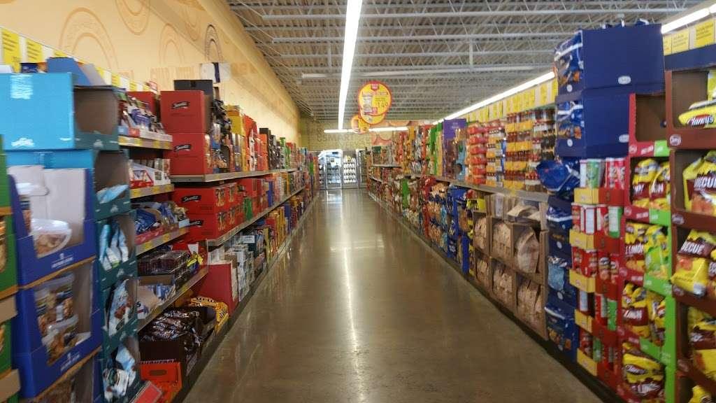 ALDI - supermarket    Photo 9 of 9   Address: 2540 Sycamore Rd, DeKalb, IL 60115, USA   Phone: (855) 955-2534