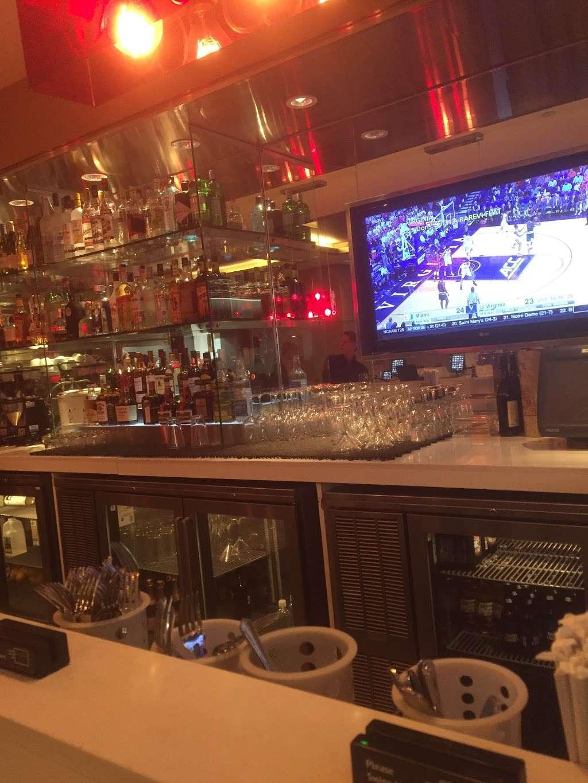 Taste of Bisoux - restaurant  | Photo 7 of 10 | Address: Terminal D Gates 3-4, Flushing, NY 11371, USA