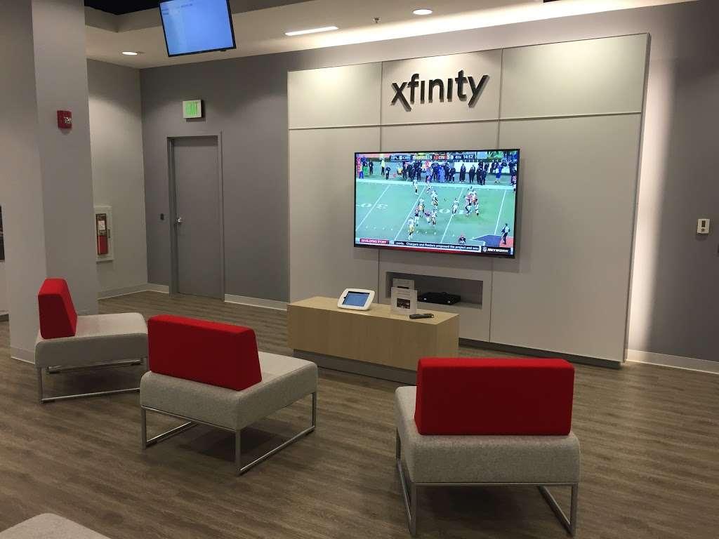 Xfinity Store by Comcast - electronics store    Photo 6 of 10   Address: 62 Second Ave, Burlington, MA 01803, USA   Phone: (781) 365-1692