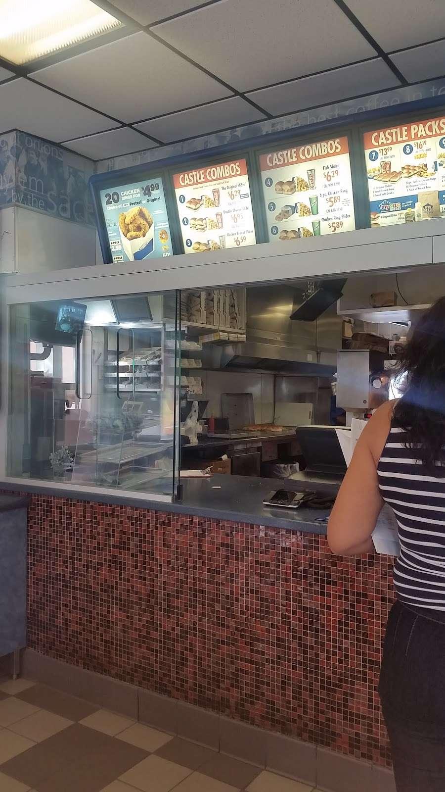 White Castle - restaurant  | Photo 4 of 10 | Address: 351 E 103rd St, New York, NY 10029, USA | Phone: (212) 876-6737