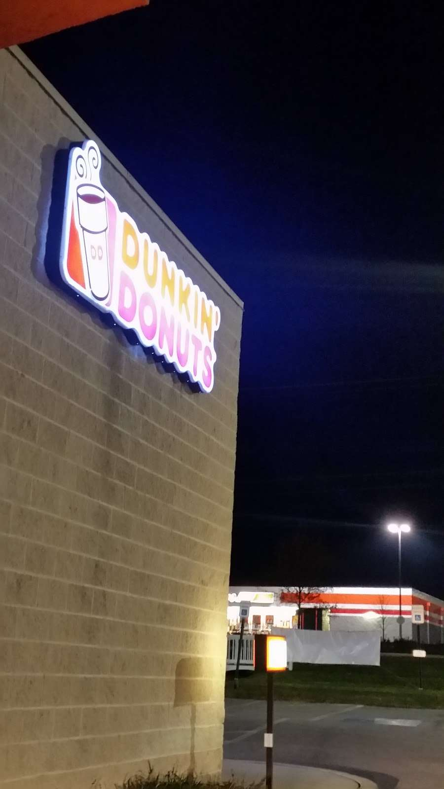 Dunkin Donuts - cafe  | Photo 7 of 10 | Address: 321 N 3rd St, Oxford, PA 19363, USA | Phone: (610) 932-1992