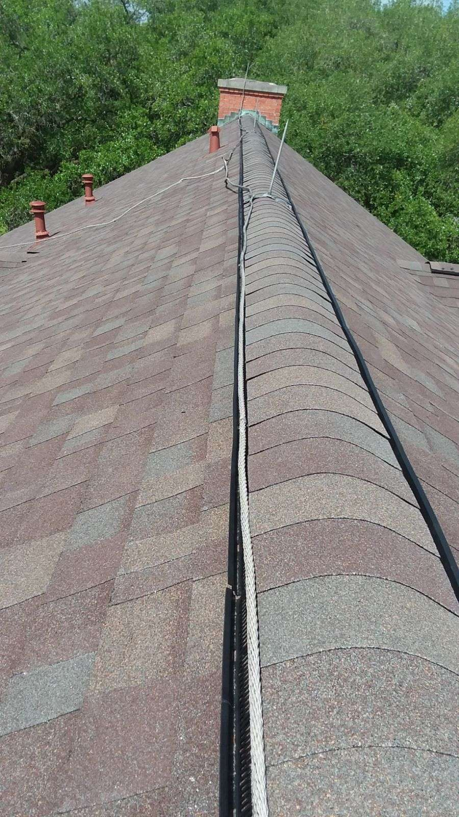 Seamless Gutters and Roof Service - roofing contractor  | Photo 8 of 10 | Address: 593 Legion Rd, Angleton, TX 77515, USA | Phone: (979) 418-1335