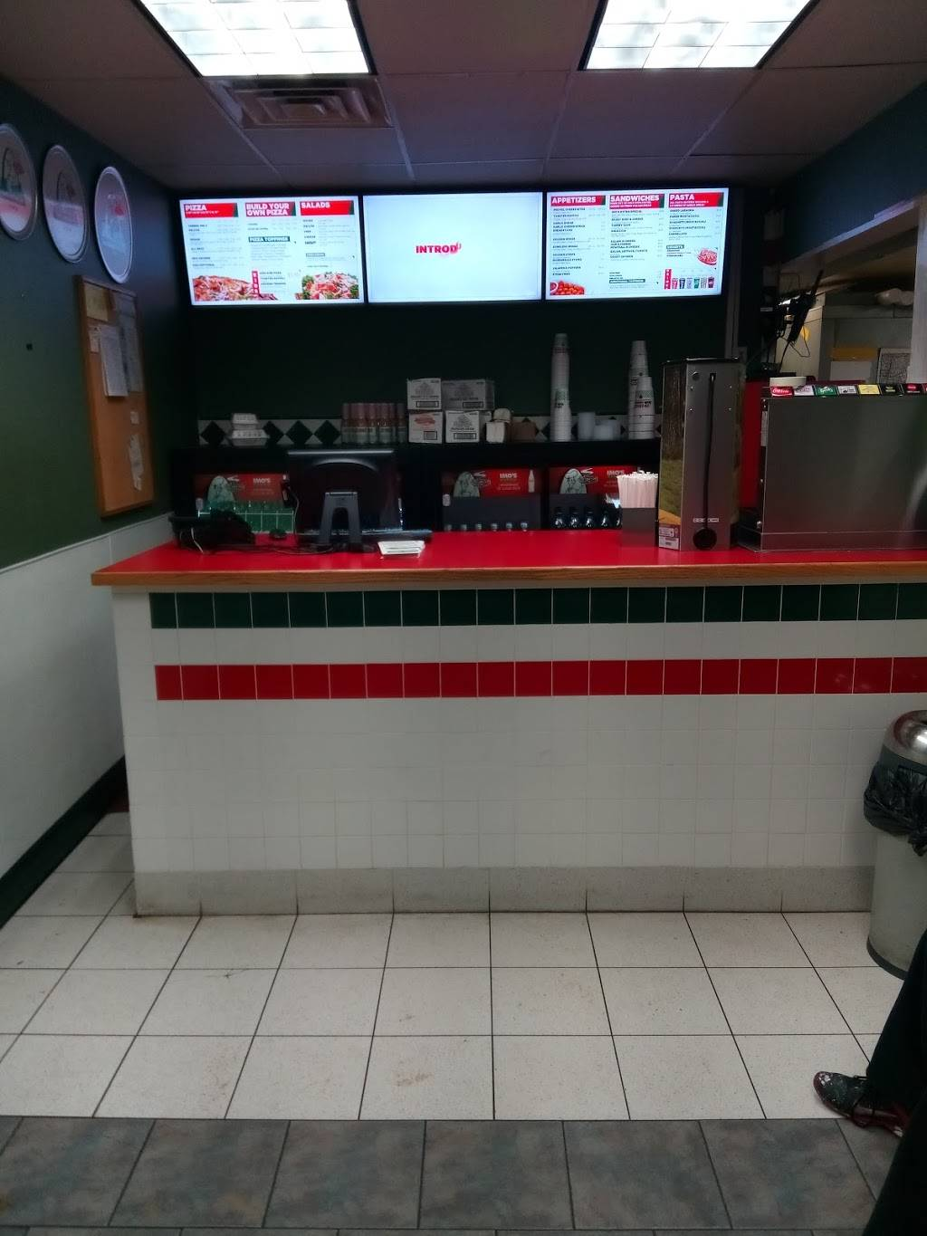 Imos Pizza - meal delivery  | Photo 8 of 10 | Address: 5806 Hampton Ave, St. Louis, MO 63109, USA | Phone: (314) 832-9677
