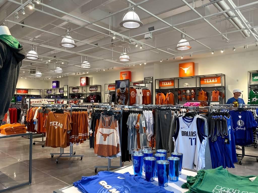 Fans United - Frisco - clothing store  | Photo 8 of 9 | Address: 5 Cowboys Way, Frisco, TX 75034, USA | Phone: (972) 497-4050