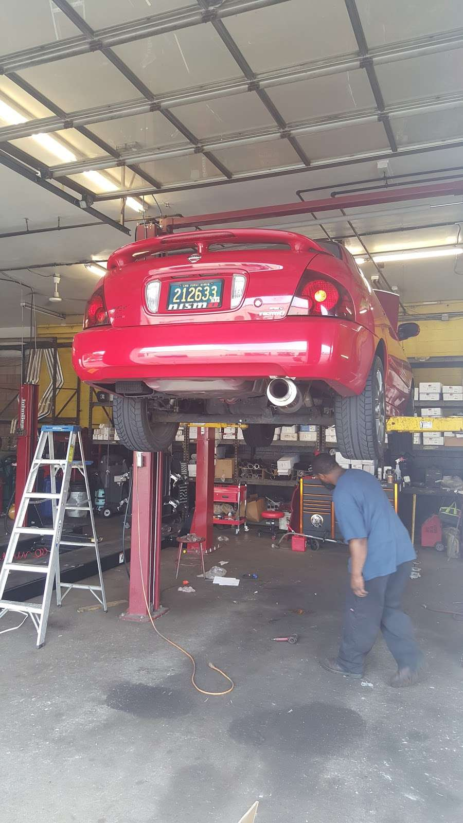Meineke Car Care Center - car repair  | Photo 6 of 10 | Address: 120 N Dupont Hwy, New Castle, DE 19720, USA | Phone: (302) 414-0450