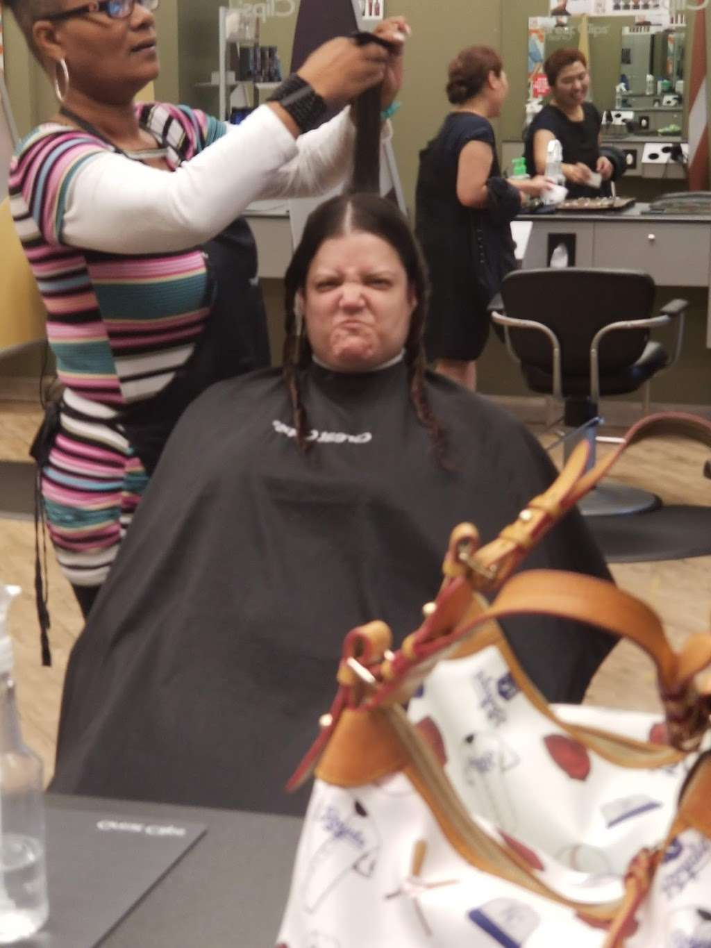 Great Clips - hair care  | Photo 3 of 4 | Address: 10154 W 119th St, Overland Park, KS 66213, USA | Phone: (913) 338-2580