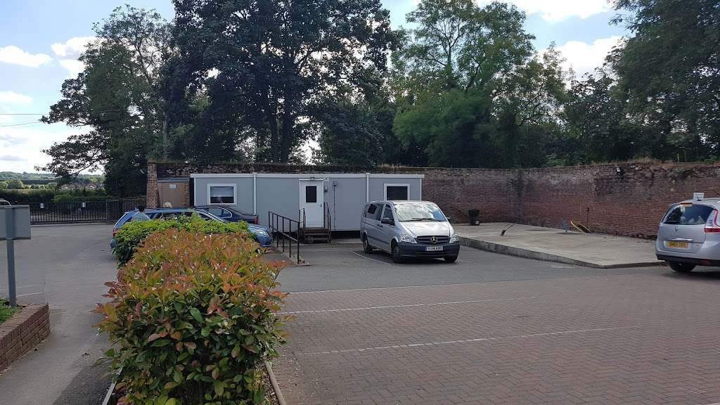 Kent House Hospital - health    Photo 3 of 4   Address: Crockenhill Rd, Orpington BR5 4EP, UK   Phone: 01689 883180