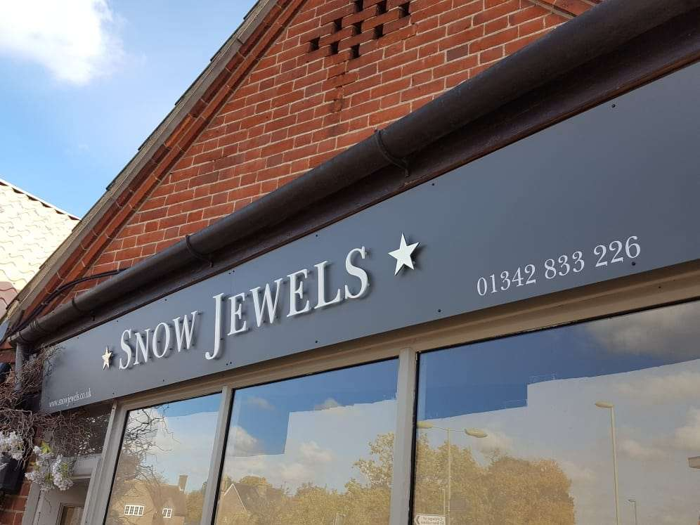Aristo Signs - home goods store  | Photo 9 of 10 | Address: Unit 1 Foxhole Farm, Brickhouse Ln, Lingfield RH7 6HY, UK | Phone: 01342 832992