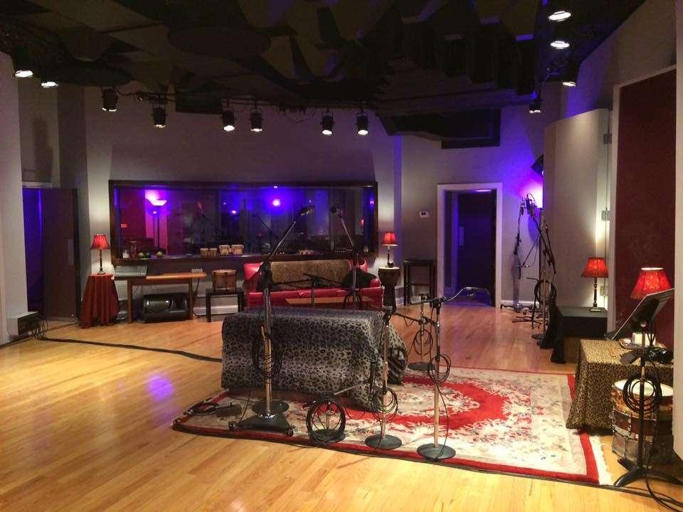 Alan Johnson Recording - electronics store  | Photo 1 of 1 | Address: 5763 Park Plaza Ct, Indianapolis, IN 46220, USA | Phone: (317) 439-6521