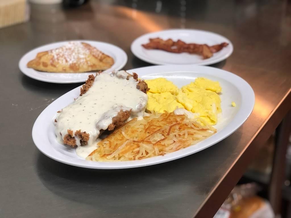 The Easy Egg Breakfast & Lunch - restaurant  | Photo 5 of 7 | Address: 240 N Main St STE 300, Haysville, KS 67060, USA | Phone: (316) 522-7570