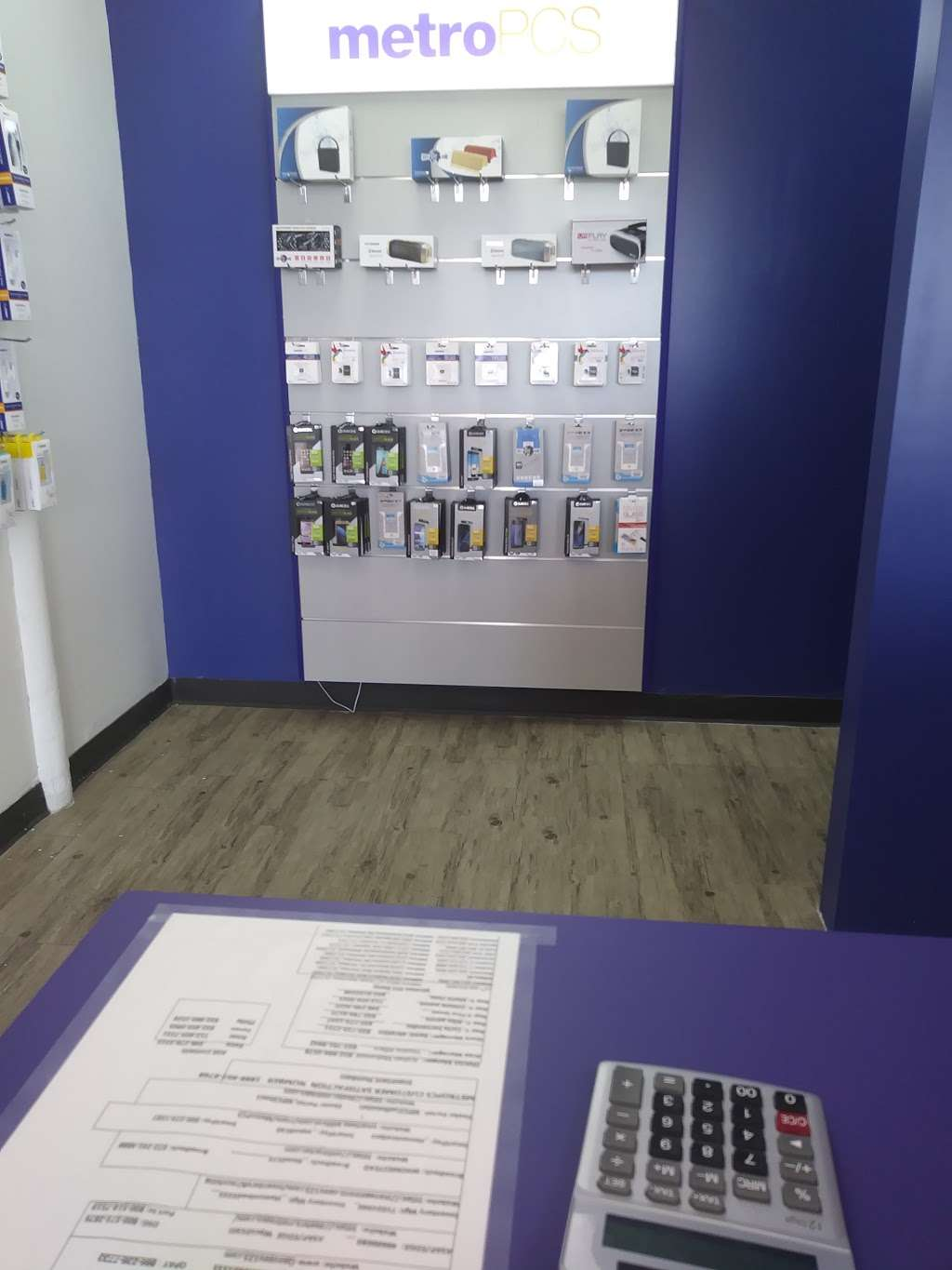 Metro by T-Mobile - electronics store    Photo 2 of 5   Address: 9530 Homestead Rd, Houston, TX 77016, USA   Phone: (281) 974-1561