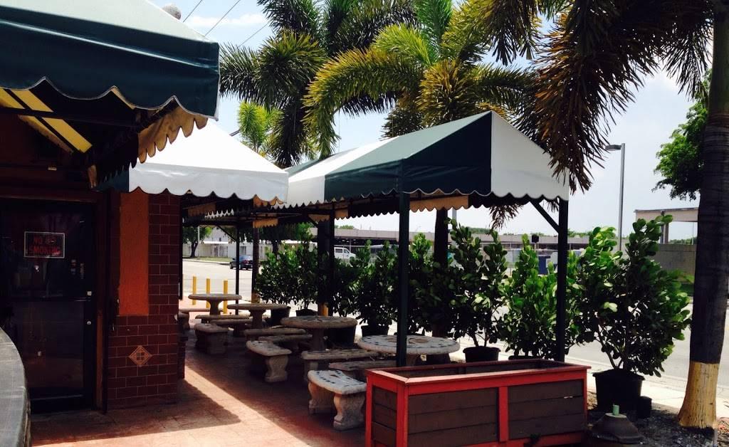 Rio Verde Miami - restaurant    Photo 9 of 10   Address: 3305 NW 32nd Ave, Miami, FL 33142, USA   Phone: (305) 418-0629