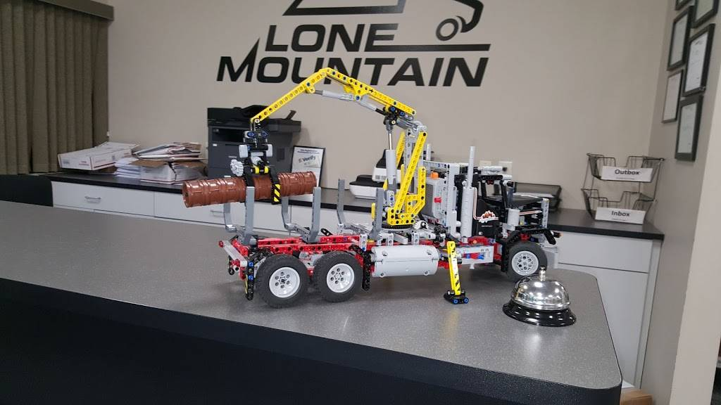 Lone Mountain Truck Leasing - store  | Photo 4 of 6 | Address: 200 Owen Pkwy Cir, Carter Lake, IA 51510, USA | Phone: (866) 512-5685
