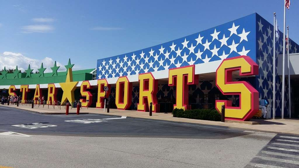 Disneys All-Star Sports Resort - bus station    Photo 3 of 10   Address: Bay Lake, FL 34747, USA