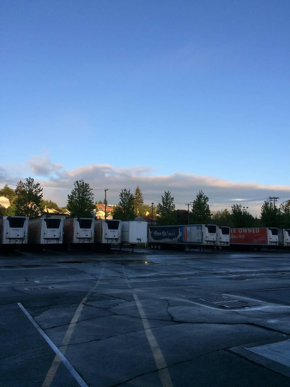 Darigold Warehouse - storage    Photo 2 of 10   Address: 4058 Rainier Ave S, Seattle, WA 98118, USA   Phone: (206) 725-9950