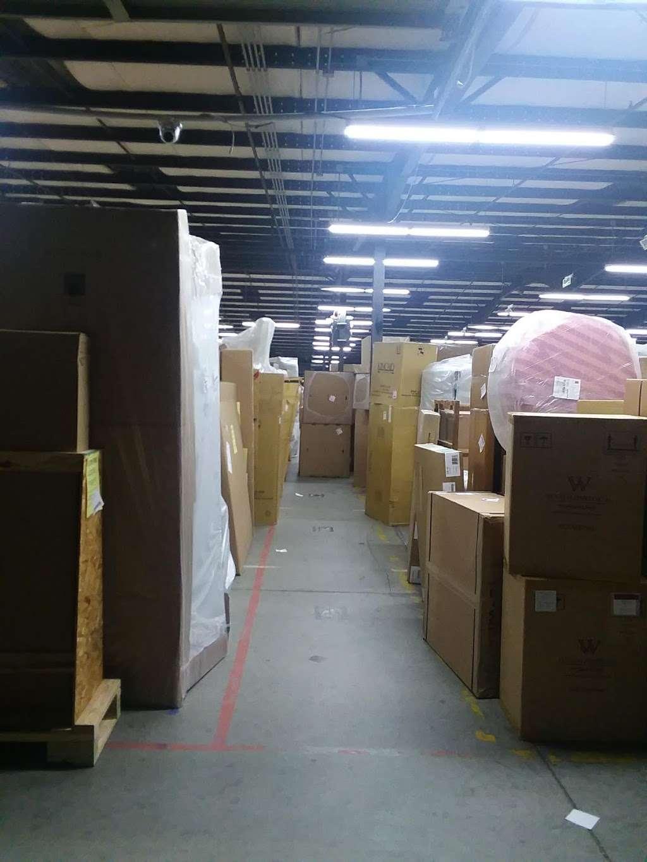 SunBelt Furniture Xpress - moving company  | Photo 7 of 10 | Address: 3255 20th Ave SE, Hickory, NC 28602, USA | Phone: (828) 464-7240
