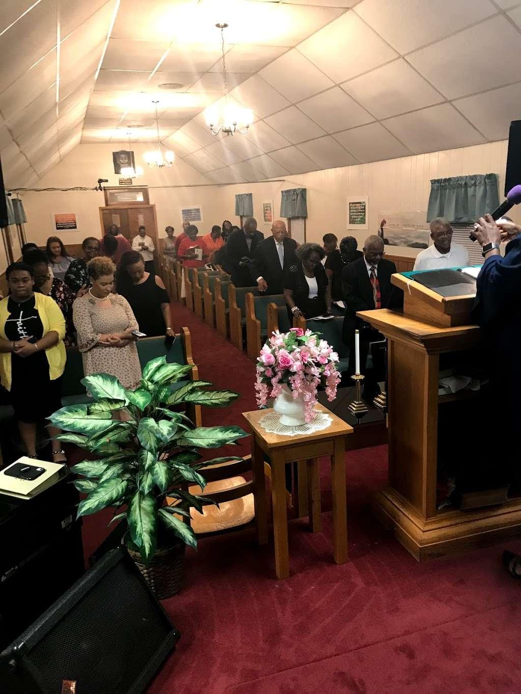 First Baptist Church of Elmont - church  | Photo 1 of 4 | Address: 11624 Cedar Ln, Ashland, VA 23005, USA | Phone: (804) 798-6473