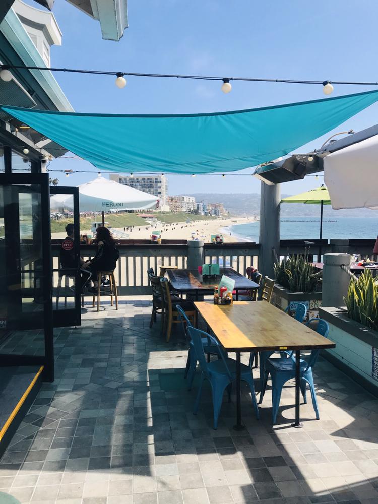 Barneys Beanery - restaurant  | Photo 5 of 10 | Address: 100 Fishermans Wharf H, Redondo Beach, CA 90277, USA | Phone: (424) 275-4820