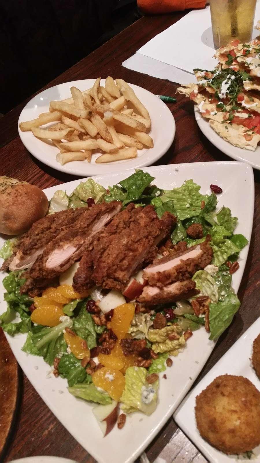 Houlihans - restaurant  | Photo 10 of 10 | Address: 151 Lefante Way, Bayonne, NJ 07002, USA | Phone: (201) 858-0400