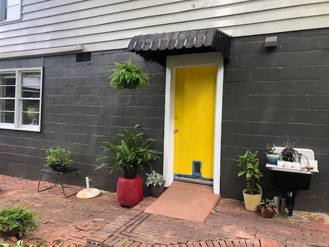 50s Crash Pad - lodging  | Photo 1 of 1 | Address: 1245 Woodland Ave SE, Atlanta, GA 30316, USA | Phone: (770) 666-2590