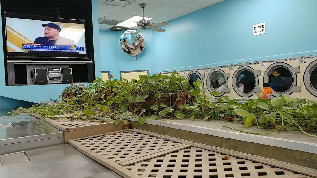 Snow Wash And Cleaners - laundry  | Photo 3 of 5 | Address: 500 S River St, Hackensack, NJ 07601, USA | Phone: (201) 641-3335