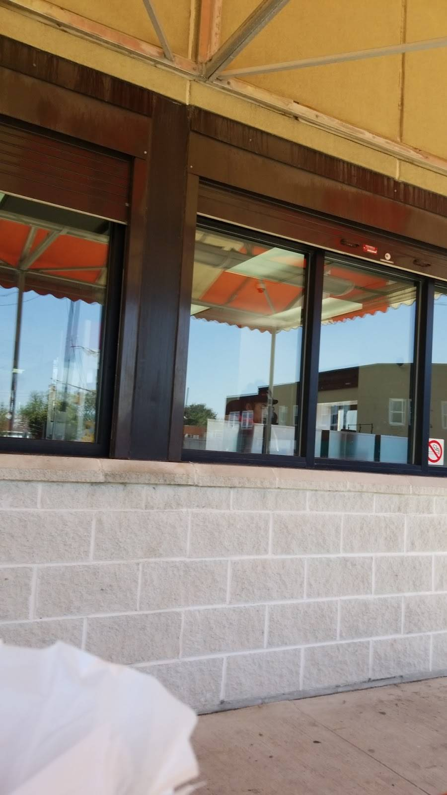 Nettys - restaurant  | Photo 9 of 9 | Address: 325 S Fearing Blvd, Toledo, OH 43609, USA | Phone: (419) 214-0774
