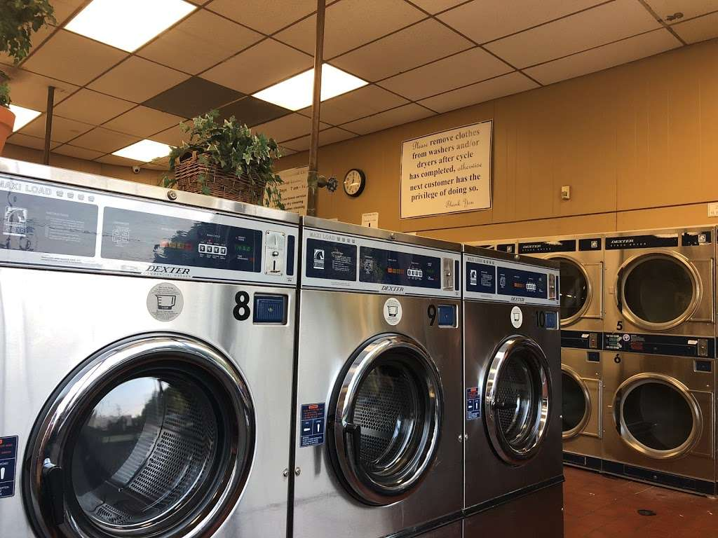 Groveland Cleaners - laundry  | Photo 2 of 4 | Address: 501 New Rd, Somers Point, NJ 08244, USA | Phone: (609) 927-0555